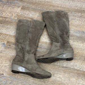 Impo Stretch Gray Heeled Boots 7.5
